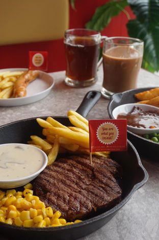 Foto 14 - Makanan di Steak Hotel by Holycow! oleh yudistira ishak abrar