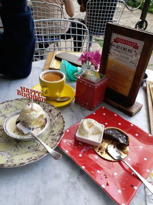Foto 1 - Makanan di Miss Bee Providore oleh Astri Arf