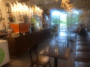 Foto 6 - Interior di Northsider Coffee Roaster oleh Vising Lie