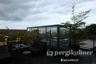 Foto 10 - Interior di Level 03 Rooftop & Grill by Two Stories oleh Darsehsri Handayani