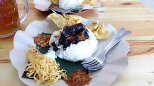 Foto 1 - Makanan di Nasi Cumi Hitam Madura Pak Kris oleh abigail lin