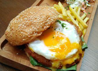 18 Tempat Makan Enak di Gubeng yang Wajib Kamu Coba
