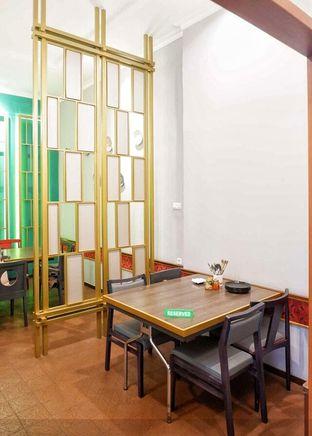 Foto 4 - Interior di Golden Chopstick oleh @makansamaoki