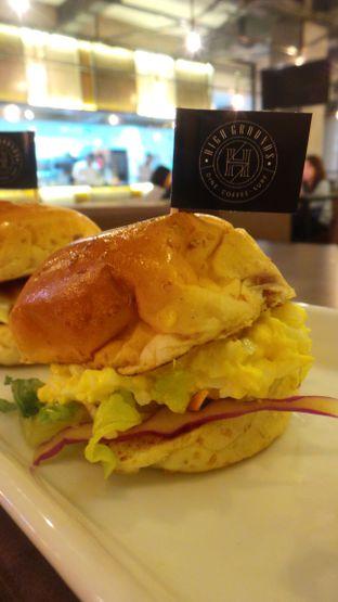 Foto 5 - Makanan(Egg Burger) di High Grounds oleh Komentator Isenk