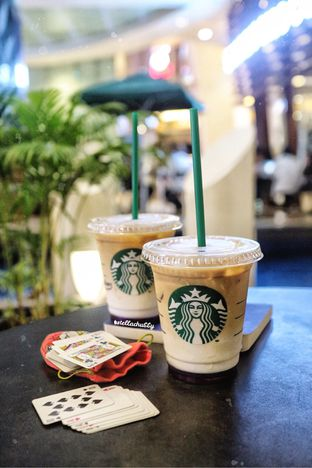 Foto review Starbucks Coffee oleh Stellachubby  1