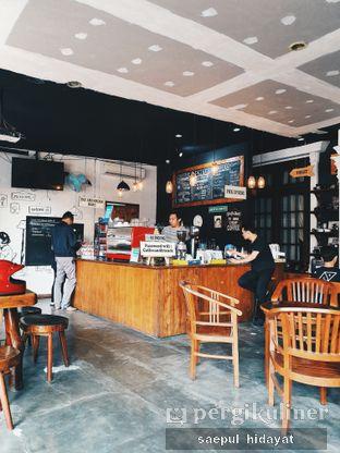 Foto 1 - Interior di Identic Coffee oleh Saepul Hidayat