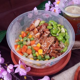 Foto 3 - Makanan di Yolo Poke oleh Chris Chan