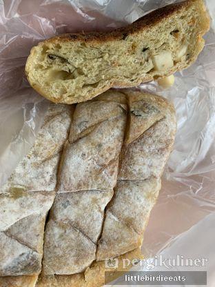 Foto 1 - Makanan di Francis Artisan Bakery oleh EATBITESNAP // Tiffany Putri