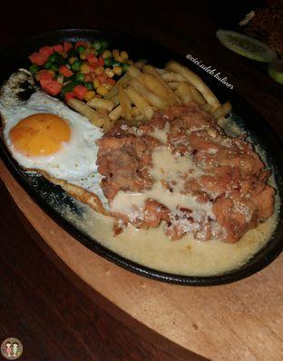Foto 1 - Makanan(Beef salted egg sauce) di Madame Hot Plate oleh Jenny (@cici.adek.kuliner)