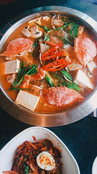 Foto 6 - Makanan(kkotgetang spicy blue crab stew) di Noodle King oleh duocicip
