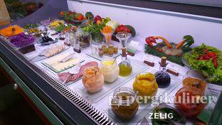 Foto review Verandah Restaurant - Novotel Bogor Golf Resort & Convention Center oleh @teddyzelig  1