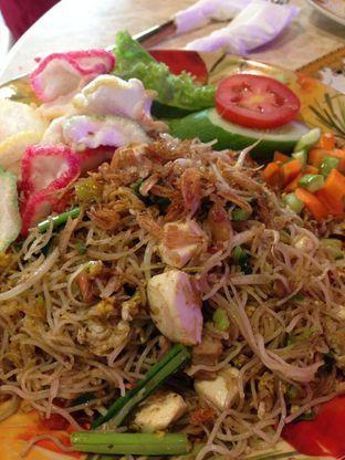 Foto 2 - Makanan(Bihun Goreng Bebek Telor Asin) di Wang Fu Dimsum oleh awakmutukangmakan