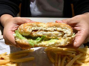 Foto 6 - Makanan di BurgerUP oleh Mirza Aly