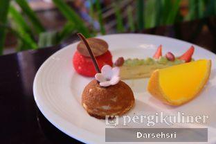 Foto 8 - Makanan di The Cafe - Hotel Mulia oleh Darsehsri Handayani