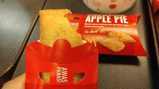 Foto 1 - Makanan(Apple Pie) di McDonald's oleh Cooventia Family