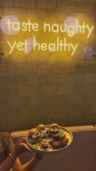 Foto review Burgreens Eatery oleh @qluvfood  2