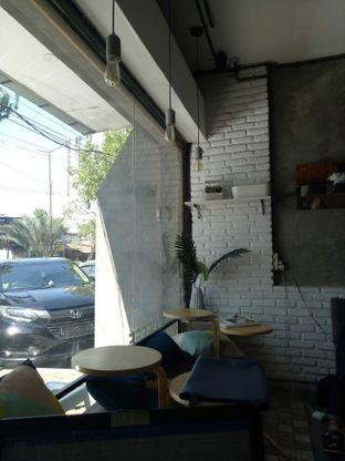 Foto 3 - Interior di Ruang Temu Coffee & Eatery oleh Atikah Joban