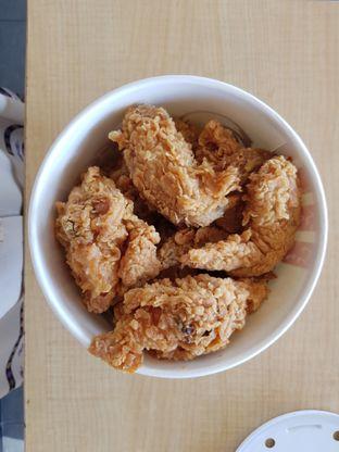 Foto 1 - Makanan di KFC oleh Amrinayu