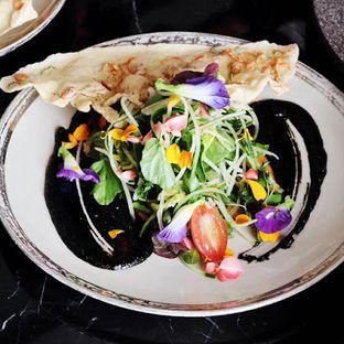 Foto 8 - Makanan(Pecel Kembang Salad) di 1945 Restaurant - Fairmont Jakarta oleh Lunchgetaway