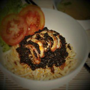 Foto - Makanan(mie cumi hitam pedas) di Kedai Minasi oleh Mms Consulting