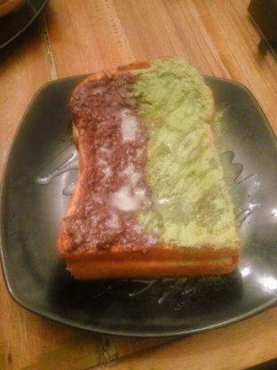 Foto 2 - Makanan(Roti Bakar Ovomaltine Green Tea) di Eat Boss oleh Fadhlur Rohman