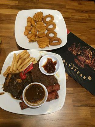 Foto 2 - Makanan di Steak Hotel by Holycow! oleh Theodora