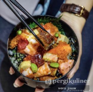 Foto 1 - Makanan di Sushi Matsu - Hotel Cemara oleh Vera Jauw