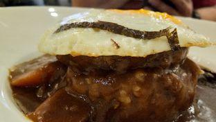 Foto 3 - Makanan(Loco Moco Curry) di Revel Cafe oleh Komentator Isenk