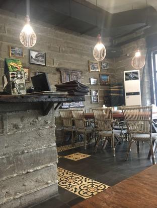 Foto 10 - Interior di Warung Tekko oleh WhatToEat