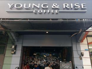 Foto 1 - Eksterior di Young & Rise Coffee oleh yudistira ishak abrar