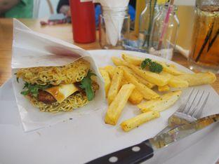 Foto review The Stacks Burger oleh Elizabeth Regina 1