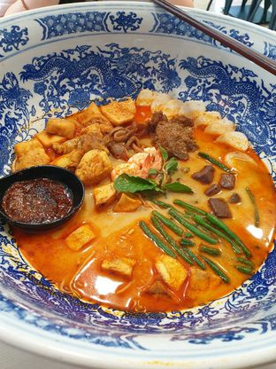 Foto 6 - Makanan(Big Bowl Curry Mee) di Legend Kitchen oleh duocicip