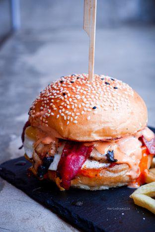 Foto 17 - Makanan di Dope Burger & Co. oleh Indra Mulia