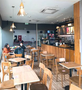 Foto 15 - Interior di Maxx Coffee oleh yudistira ishak abrar