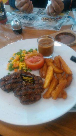 Foto - Makanan di Justus Burger & Steak oleh libel
