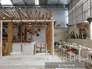 Foto 3 - Interior di Hey Beach! oleh Ladyonaf @placetogoandeat