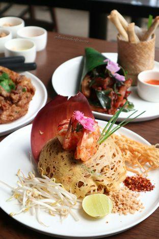 Foto 2 - Makanan di Noble by Zab Thai oleh thehandsofcuisine