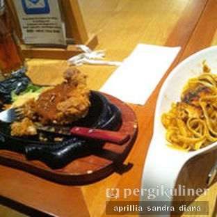Foto 2 - Makanan(Chicken Steak) di Imperial Cakery & Cafe oleh Diana Sandra