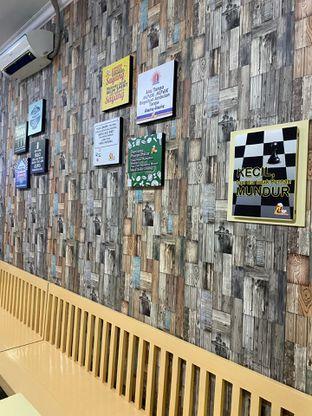 Foto 2 - Interior di Mpek - Mpek & Es Campur Nana oleh Riani Rin