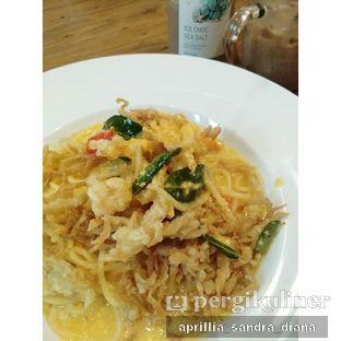 Foto 2 - Makanan(Pasta Telor Asin) di Roti Eneng oleh Diana Sandra