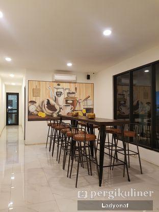 Foto 2 - Interior di Kopi Aah oleh Ladyonaf @placetogoandeat