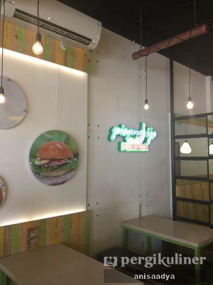 Foto 8 - Interior di Kedai Es Pisang Ijo Pemuda oleh Anisa Adya