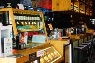 Foto 5 - Interior di NamNam Noodle Bar oleh Nanakoot