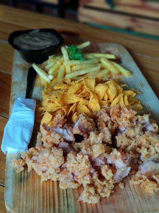 Foto 2 - Makanan(Ayam crispy saus white pepper) di Kandang Ayam oleh Shabira Alfath