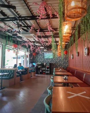 Foto 4 - Interior di Dragon Cafe oleh Daniel Wijaya