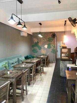 Foto 2 - Interior di PLUIE Cafe & Resto oleh Prido ZH