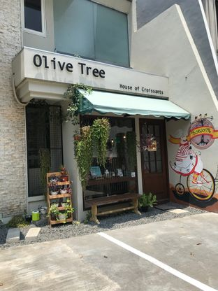Foto 2 - Eksterior di Olive Tree House of Croissants oleh Della Ayu