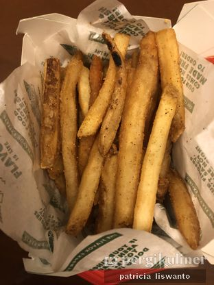 Foto 2 - Makanan(Skin-On Fries) di Wingstop oleh Patsyy