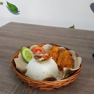 Foto review Ayam Jerit oleh Widya WeDe ||My Youtube: widya wede 2