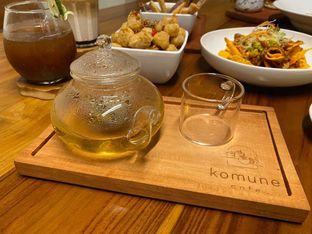Foto review Komune Cafe oleh feedthecat  8